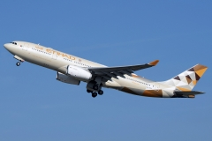a6-eyh-etihad-airways-airbus-a330-243