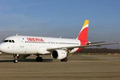 ec-izr-iberia-airbus-a320-214