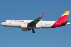 ec-lxq-iberia-airbus-a320-216wl