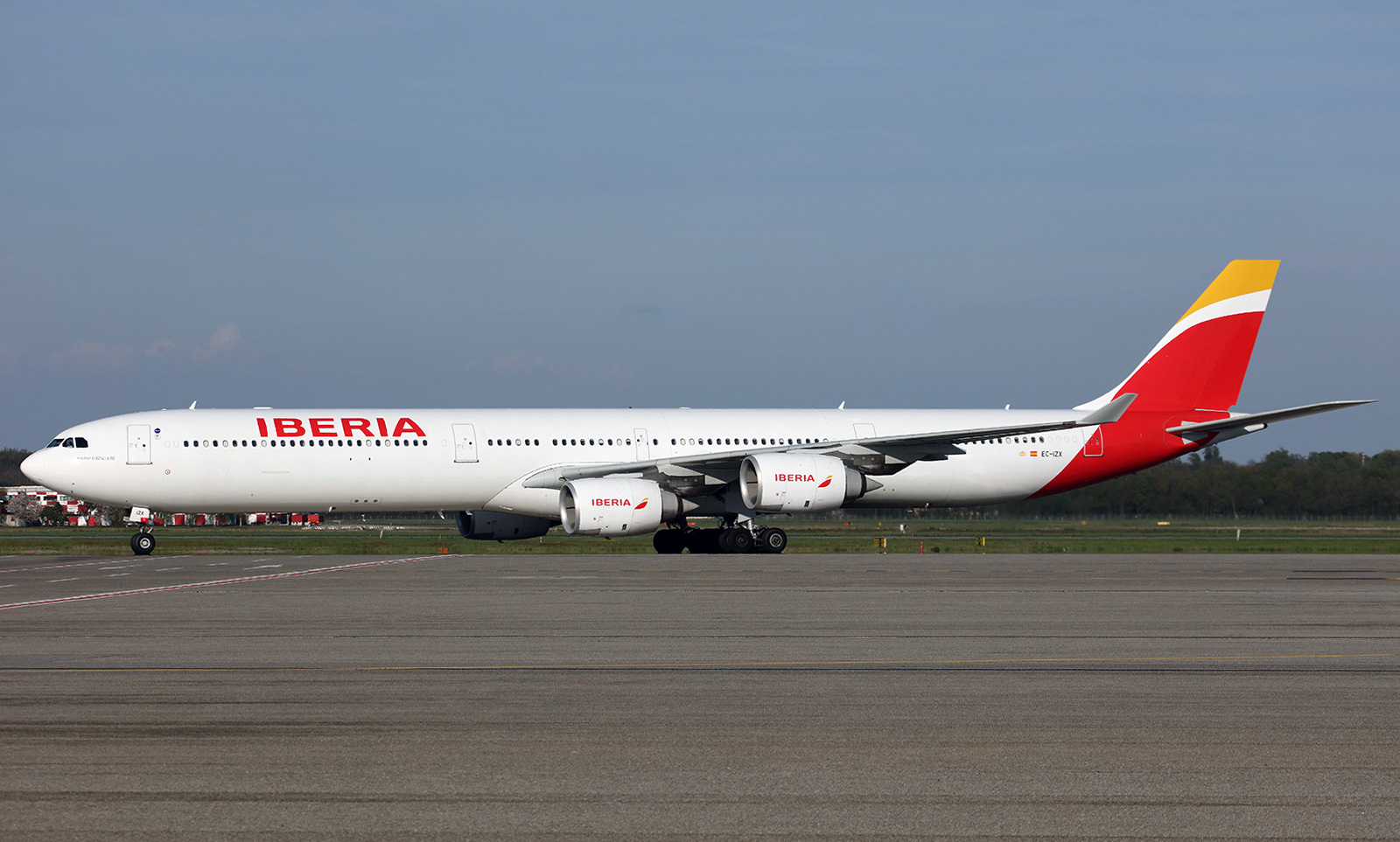 airbus a340 600 iberia photos and description of the plane. Black Bedroom Furniture Sets. Home Design Ideas