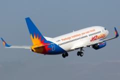 g-gdfb-jet2-boeing-737-300
