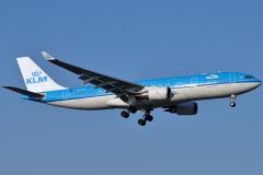 ph-aom-klm-royal-dutch-airlines-airbus-a330-203