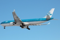 ph-akd-klm-royal-dutch-airlines-airbus-a330-30