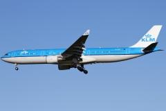 ph-akd-klm-royal-dutch-airlines-airbus-a330-303