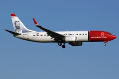 ei-fhx-norwegian-air-international-boeing-737-8