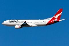 vh-eba-qantas-airbus-a330-201