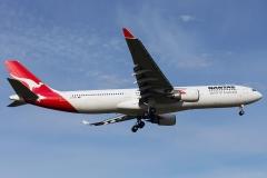 vh-qpb-qantas-airbus-a330-300