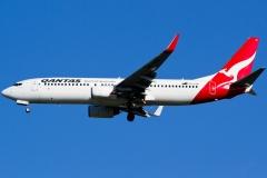 vh-vzm-qantas-boeing-737-838wl