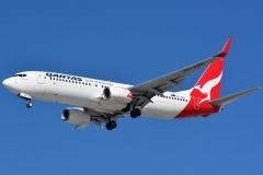 vh-xzn-qantas-boeing-737-838wl