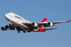 vh-oeb-qantas-boeing-747-48e