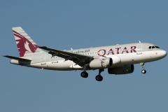 a7-cjb-qatar-airways-airbus-a319-133
