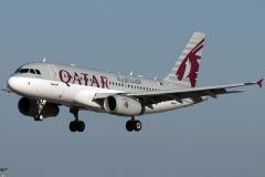 a7-cjb-qatar-airways-airbus-a319-133lr