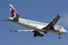 a7-ahp-qatar-airways-airbus-a320-232_