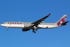 a7-aec-qatar-airways-airbus-a330-302