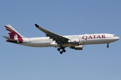 a7-aed-qatar-airways-airbus-a330-302