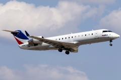 n412sw-skywest-airlines-bombardier-crj-100lr