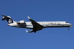 n217ag-skywest-airlines-bombardier-crj-700