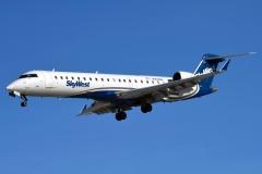 n752sk-skywest-airlines-bombardier-crj-700