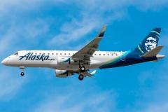 n184sy-skywest-airlines-embraer-erj-175lr