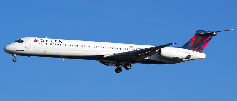 McDonnell Douglas MD-88 Delta Airlines. Photos and description of the plane