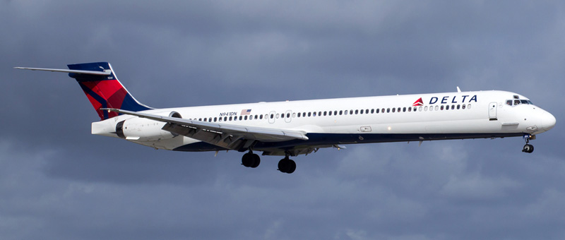 McDonnell Douglas MD-90 Delta Airlines. Photos and description of the plane