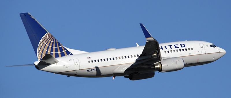 n27733-united-airlines-boeing-737-724wl
