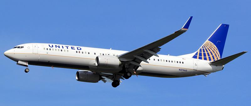 n37465-united-airlines-boeing-737-924erwl