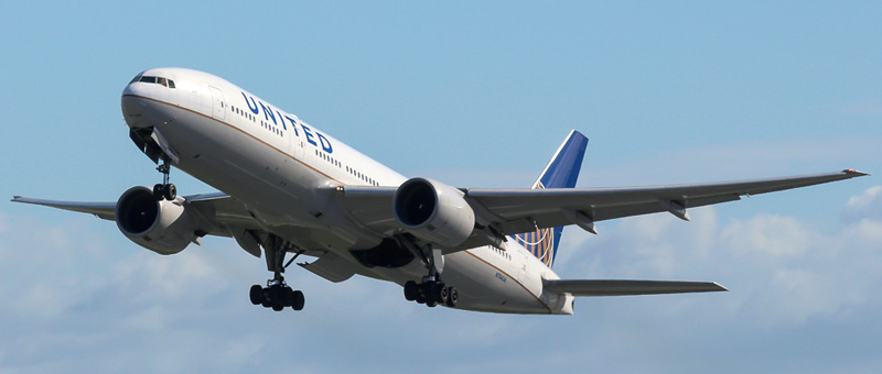 n784ua-united-airlines-boeing-777-222er