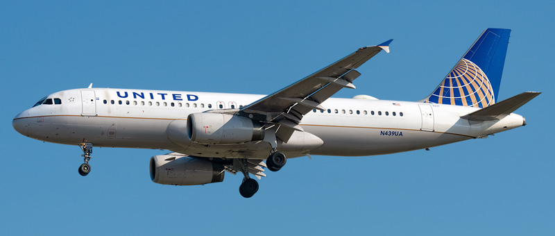 """Seat map Airbus A320-200 """"United Airlines"""". Best seats in the plane"""