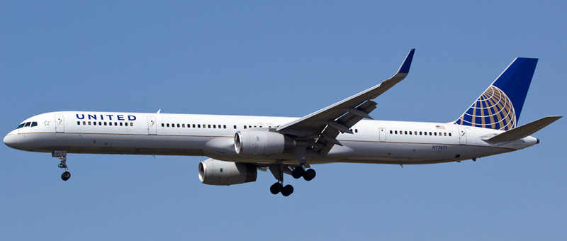 Boeing 757-300 United Airlines. Photos and description of the plane
