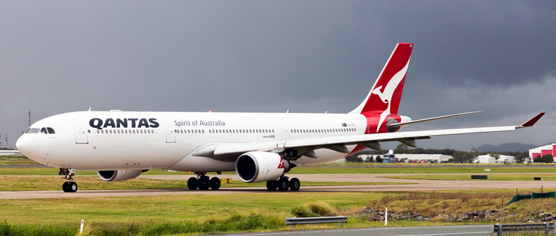 Airbus A330-300 Qantas Airways. Photos and description of the plane