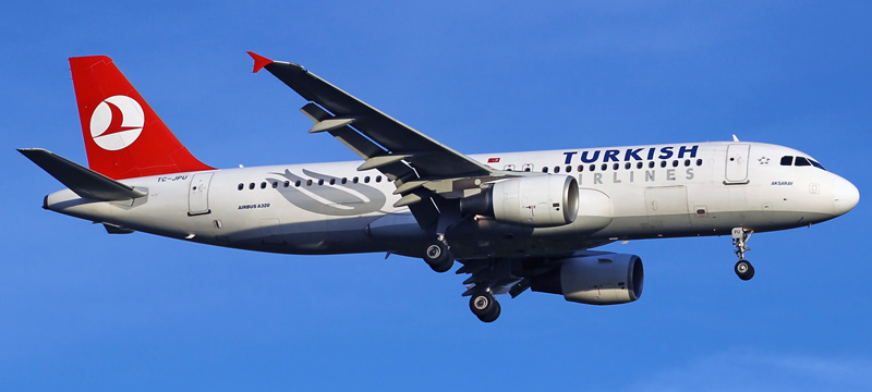 Turkish Airlines Airbus A320-200