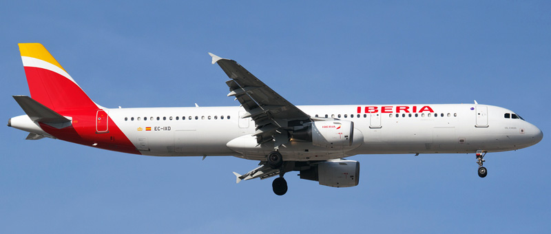 Airbus A321-200 Iberia. Photos and description of the plane