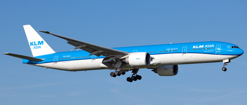 Boeing 777-300 KLM. Photos and description of the plane