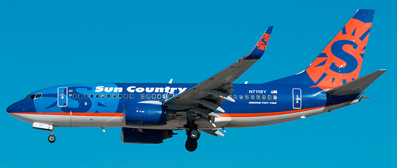 "Seat map Boeing 737-700 ""Sun Country Airlines"". Best seats in the plane"