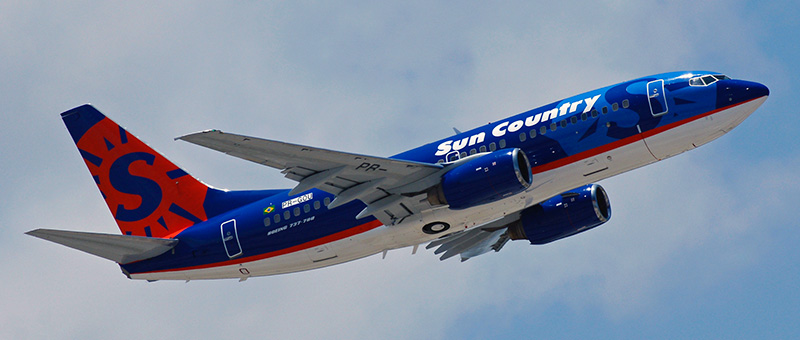 Boeing 737-700 Sun Country Airlines. Photos and description of the plane