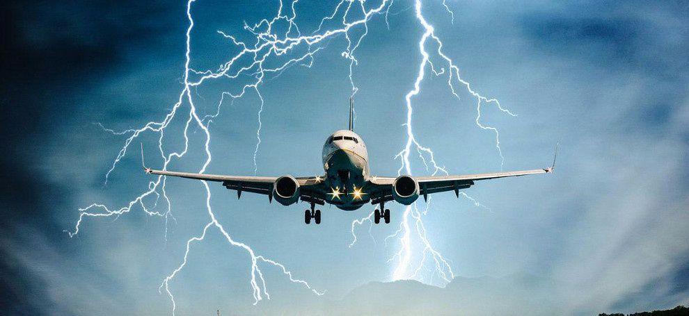 What happens if lightning strikes the airplane? Part 1