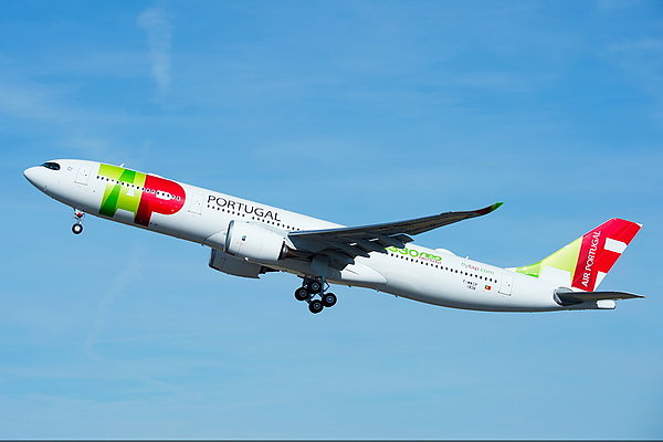 Airline Company TAP Air Portugal first in the world got new airplane Airbus A330neo. Part 1