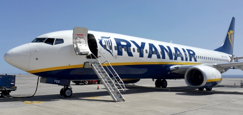 French authorities have seized Ryanair airplane because of company's debts
