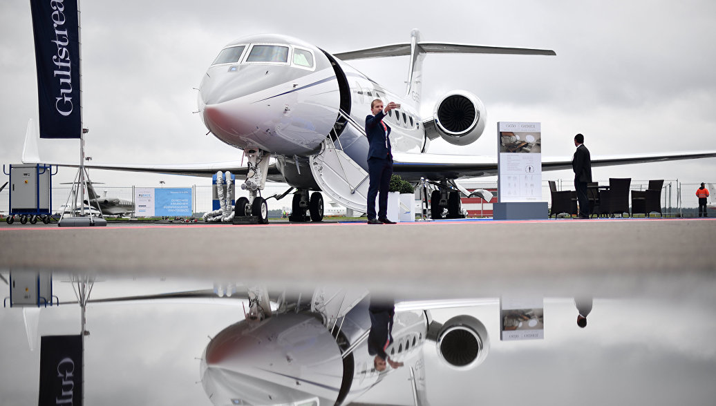 In USA was built mockup of private aircraft for selfie