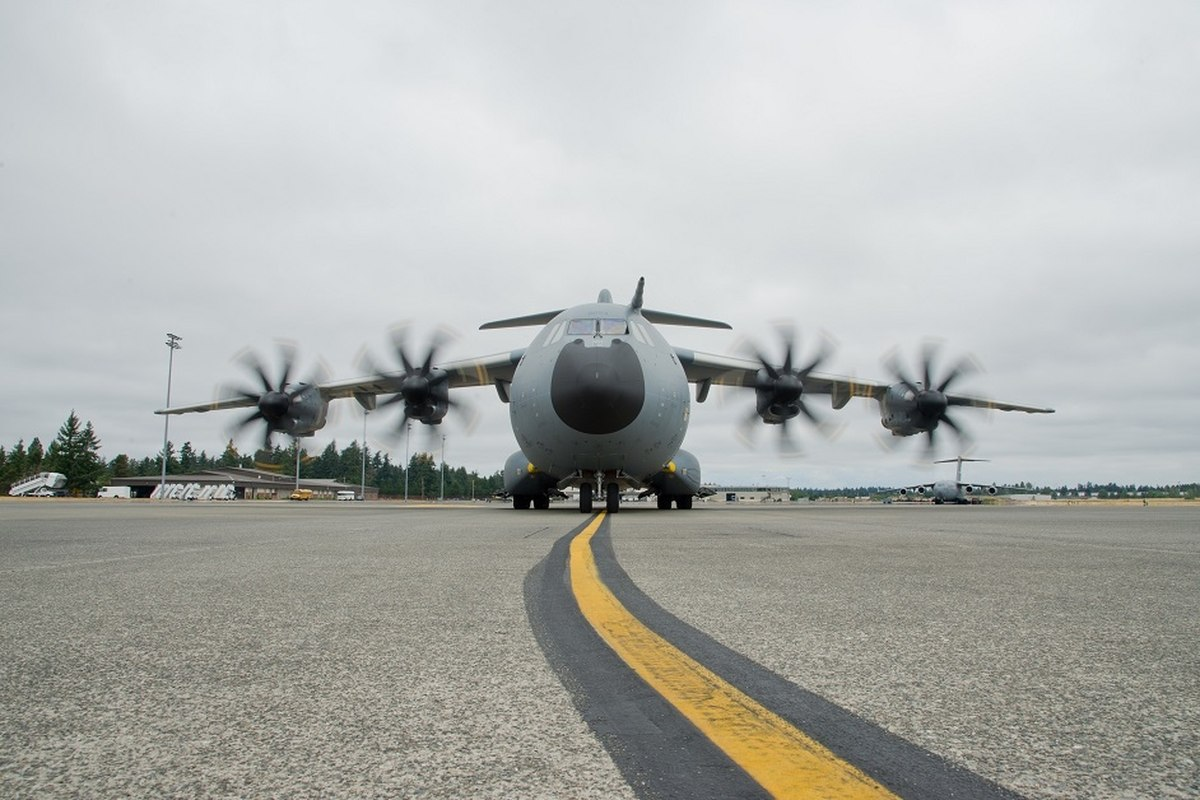 Transport plane A400M will be able to land on the beach
