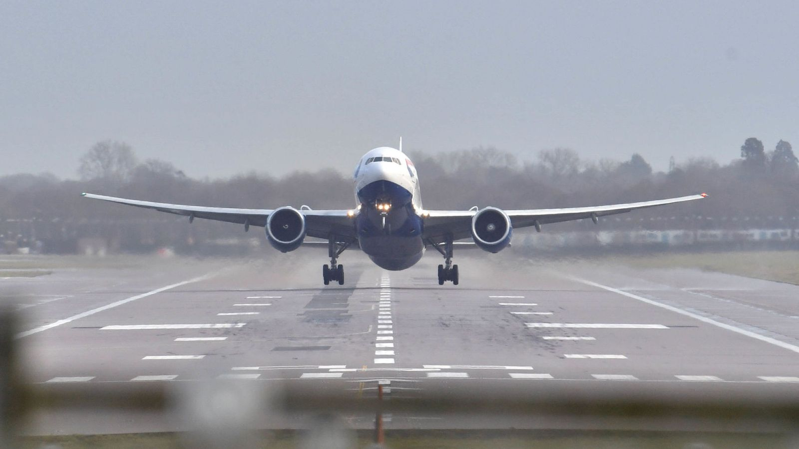 London airport Gatwick was temporary closed because of suspicious drones