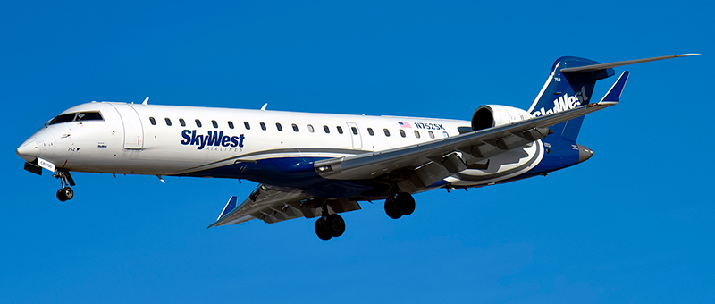 Bombardier CRJ-700 SkyWest. Photos and description of the plane