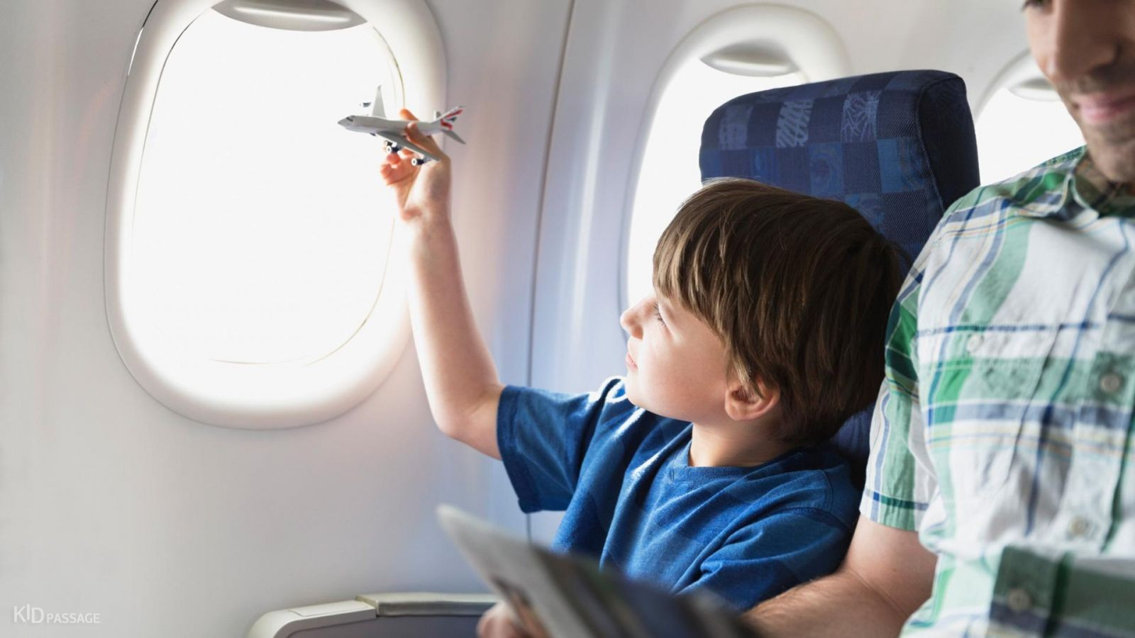 Doctors advise travelers with children to choose night flights