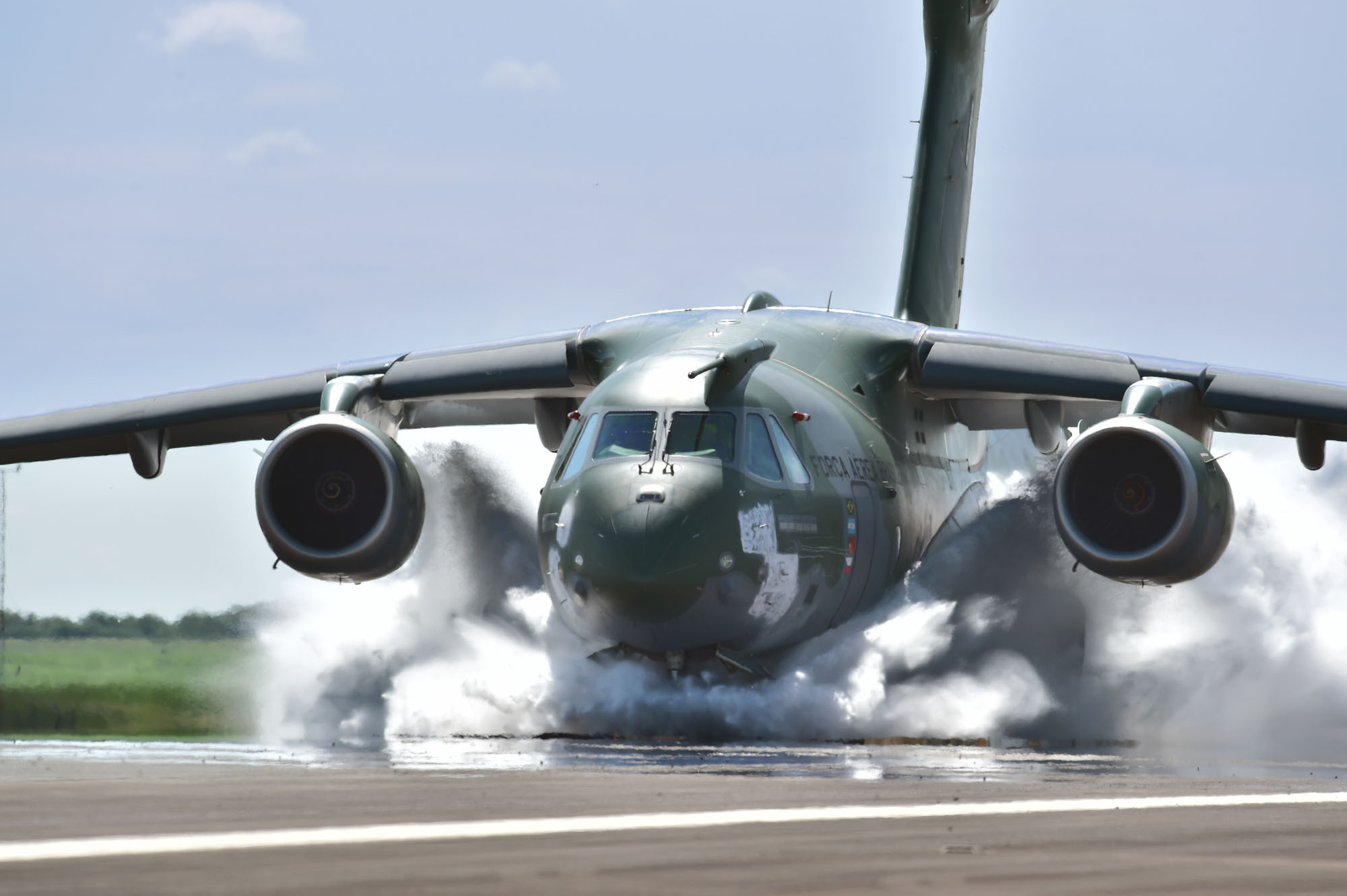 Portugal signed contract for acquisition of 5 airplanes Embraer KC-390
