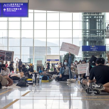 Hong Kong airport canceled hundreds flights despite resumption of work