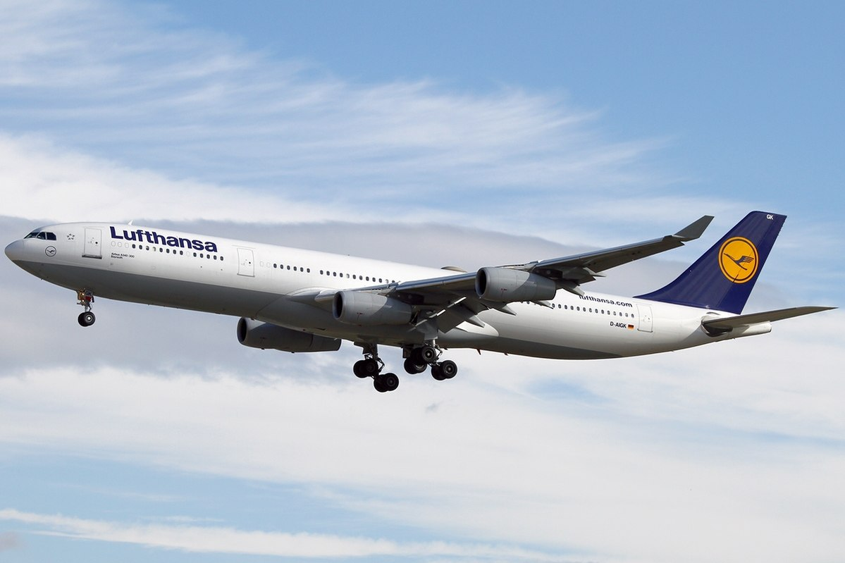 Lufthansa scrapped their airplane Airbus A340 on manufacturing furniture and key chains