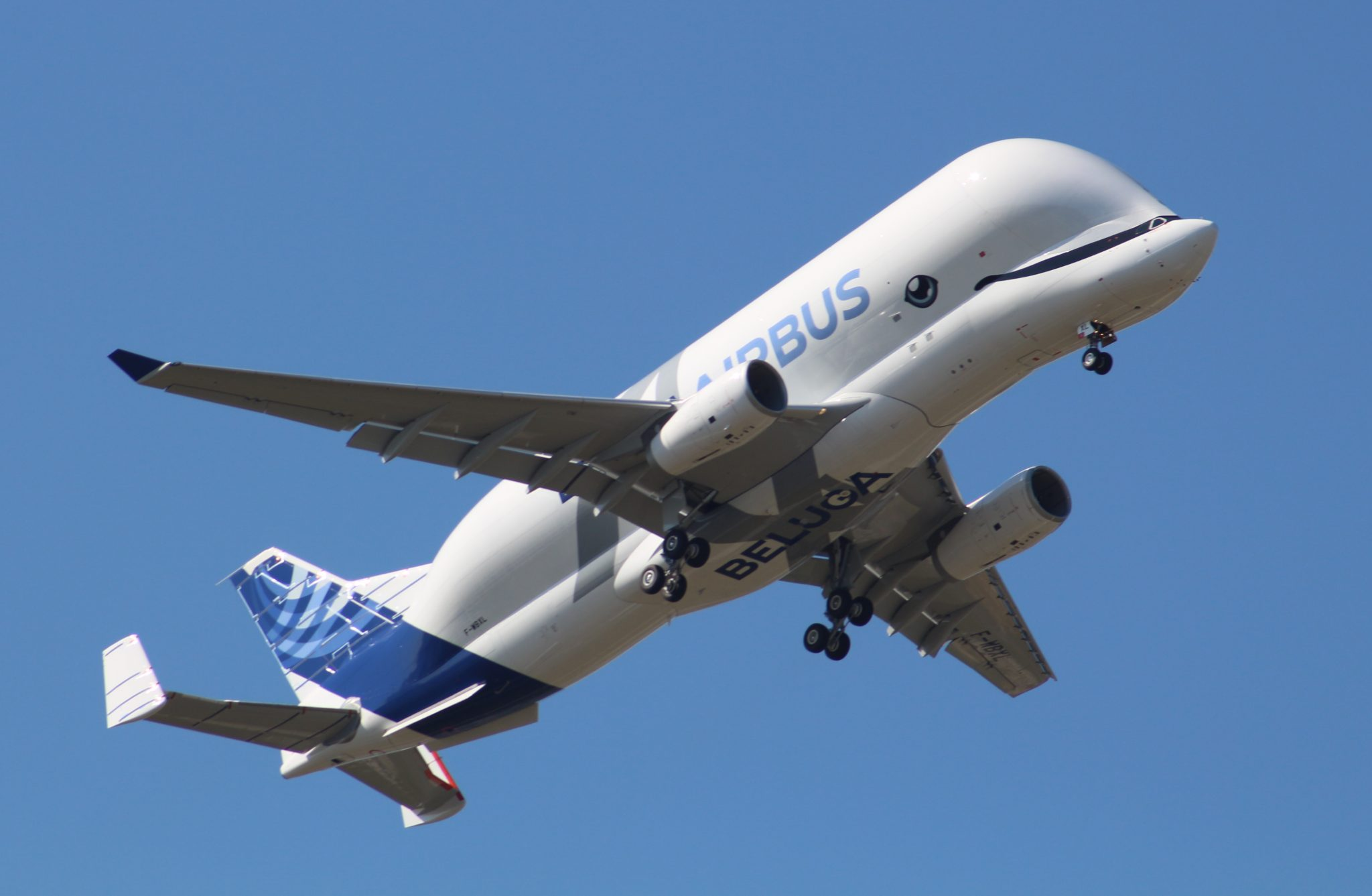 Airplane for oversize cargo made first flight
