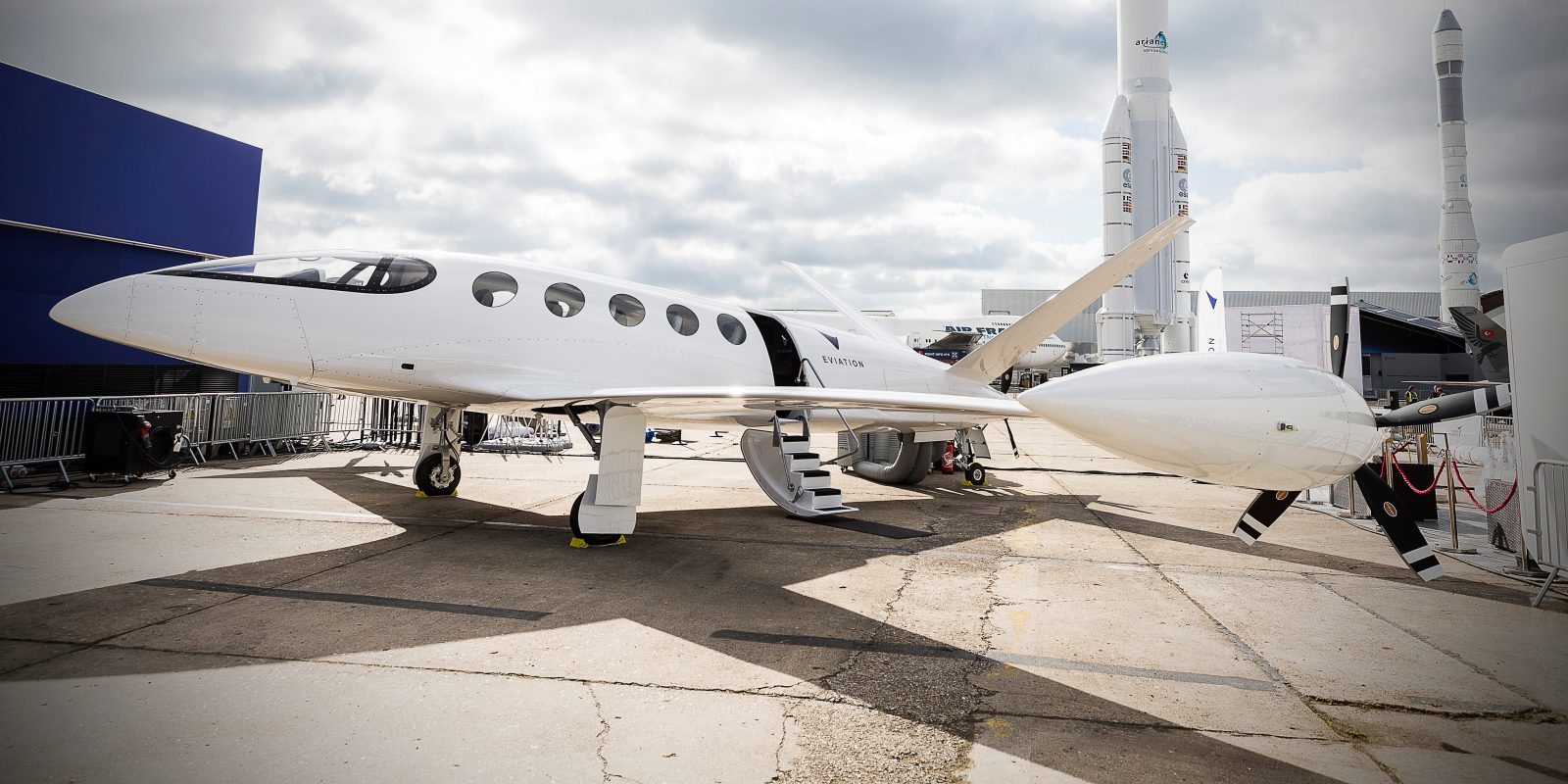 Israeli electric airplane will get light cooling system