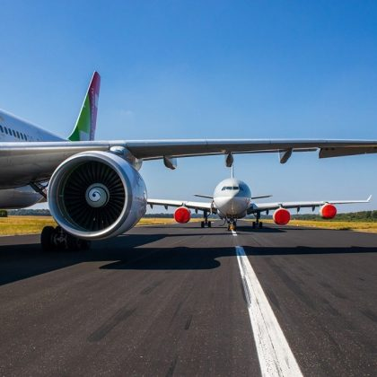 Net loss of Airbus in the first half-year period made 1,9 billion euro. Part 1